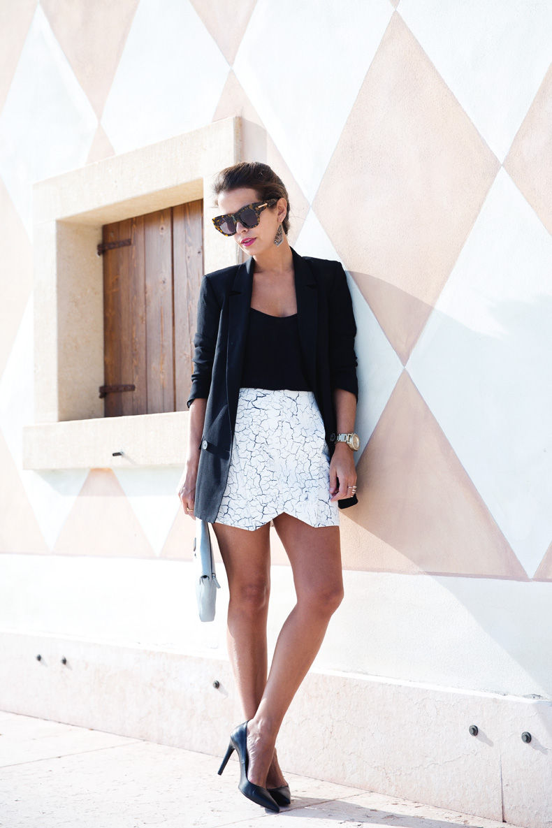 Cracked_Skirt-Girissima-Calzedonia_Show-Light_blue_Clutch-Phillip_Lim-Street_Style-Outfit-9