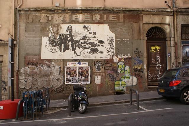 Collage dans le quartier des pentes.