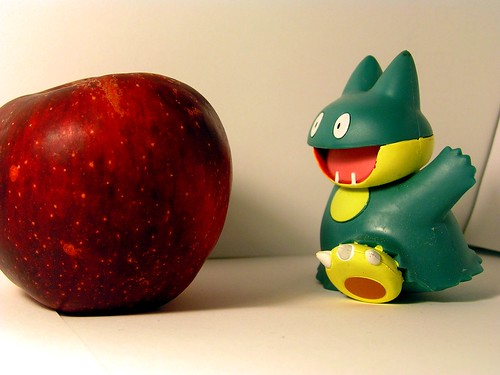 Munchlax's loves Apples! by crdotx