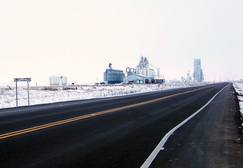 white snow canada color colour building highway standrews sk prairie saskatchewan 2010 grainterminal highway7 canadagood thisdecade