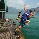 Viel Spass mit Übernachtung auf dem Cheow Lan Lake