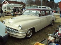 compact car(0.0), sedan(0.0), automobile(1.0), automotive exterior(1.0), vehicle(1.0), mid-size car(1.0), plymouth cranbrook(1.0), antique car(1.0), classic car(1.0), vintage car(1.0), land vehicle(1.0), luxury vehicle(1.0), motor vehicle(1.0),