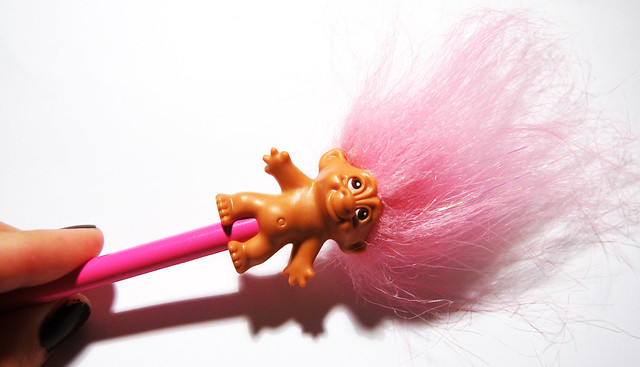 Silly pink troll pen - Copyright Hanna Andersson