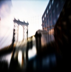 Manhattan Bridge (Lubitel)