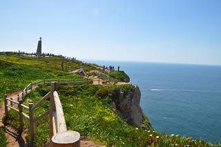 http://hojeconhecemos.blogspot.com/2010/04/cabo-da-roca-sintra-portugal.html