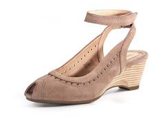 basic pump, brown, footwear, leather, beige, tan, suede,