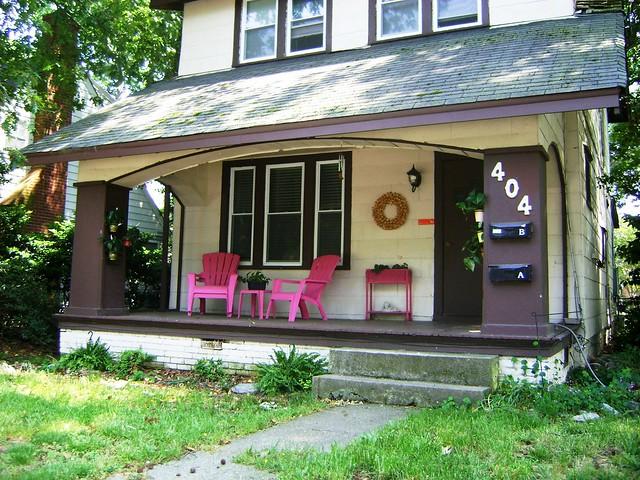 Maison avec des chaises roses flickr photo sharing - Comment avoir une belle maison ...