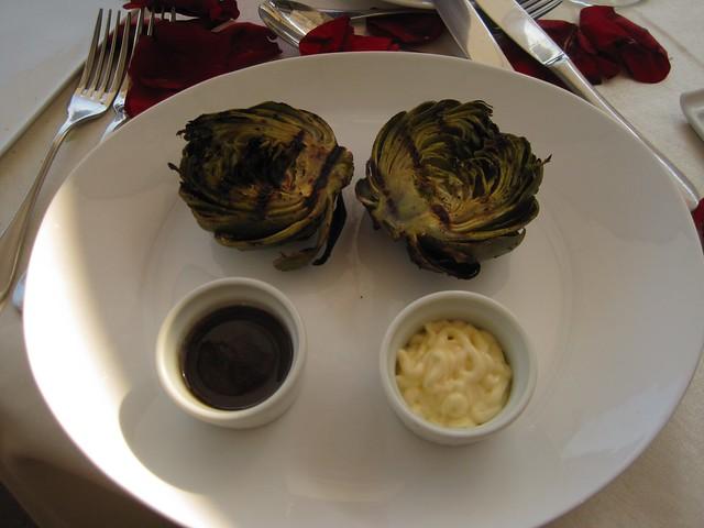 el-convento-boutique-restaurant-romantic-dinner-antigua-guatemala-roasted-artichokes
