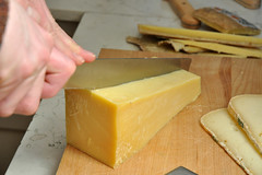 produce(0.0), gruyã¨re cheese(1.0), pecorino romano(1.0), food(1.0), dairy product(1.0), parmigiano-reggiano(1.0), cheese(1.0), cheddar cheese(1.0),