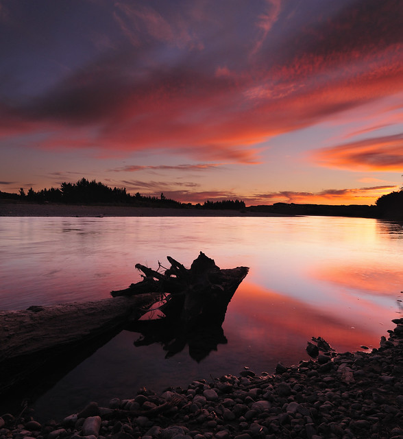 Manawatu River at Dusk (Part 2) by Nadly Aizat