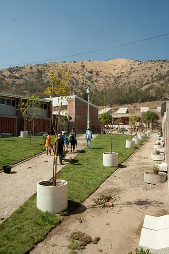 """Construcción áreas verdes condominio """"nuestra casa, nuestro sueño"""" en Huechuraba"""