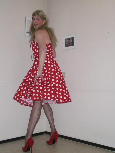 Retro girl. - a photo on Flickriver