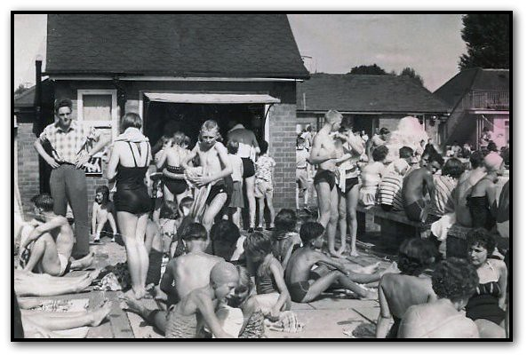 The Vale Swimming Pool Park Street Aylesbury Bucks 195 Flickr Photo Sharing