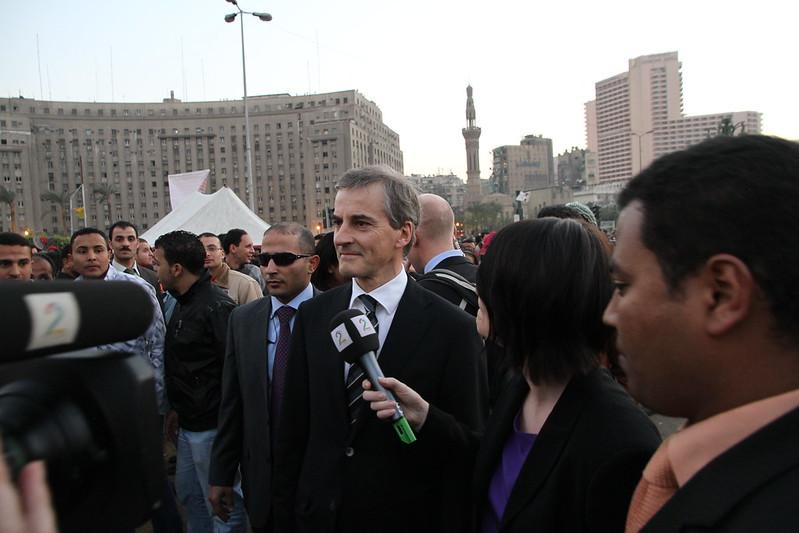 Støre besøker Tahrir-plassen i Kairo