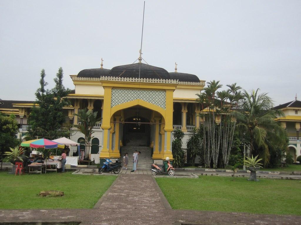 Medan Palace Medan Sumatra Indonesia Rolling Okie