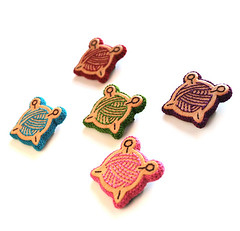 """""""Knitting"""" Wooden Embroidery Brooches"""