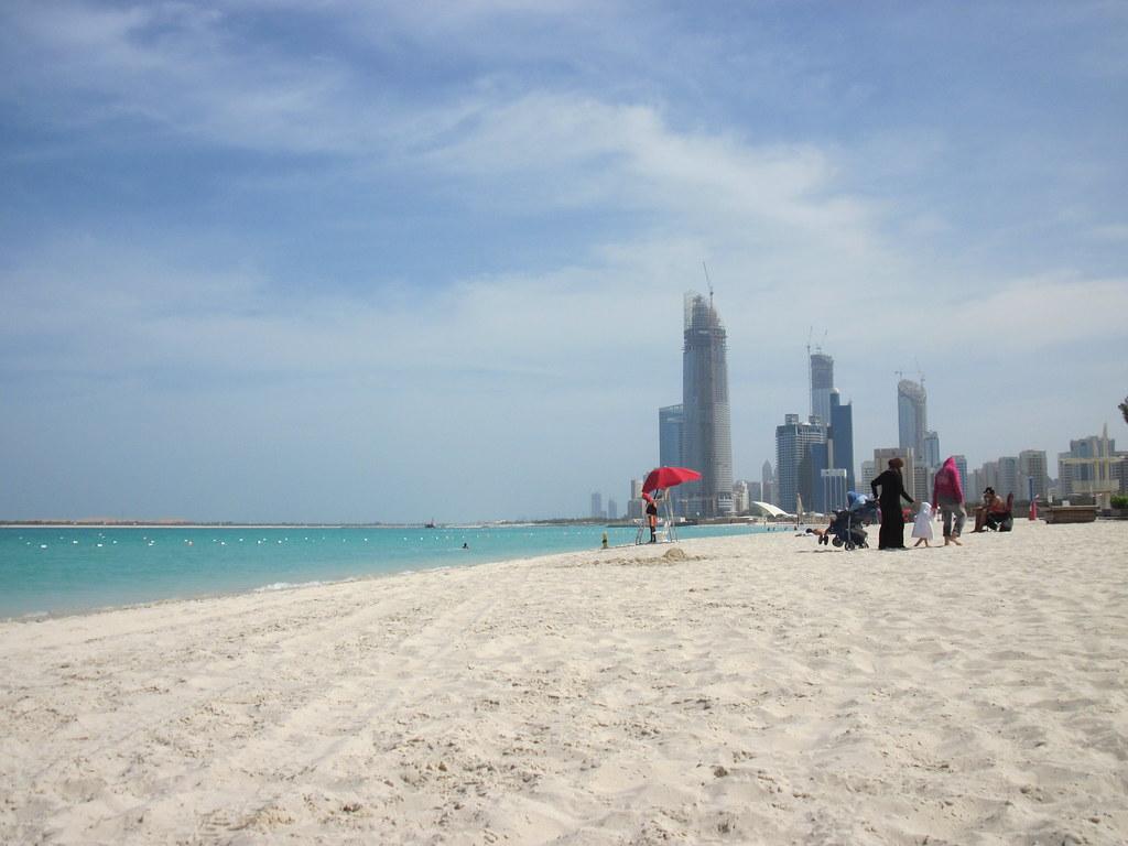пляж абу даби