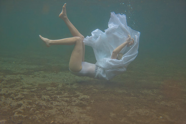 5542566839 a2b17d3069 z Shooting Portraits Underwater Can Create Beautiful Results