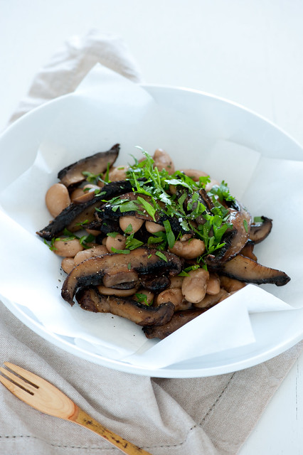 mushrooms with butter beans