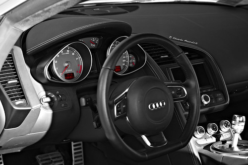 audi r8 interior auto blitz audi r8 interior. Black Bedroom Furniture Sets. Home Design Ideas