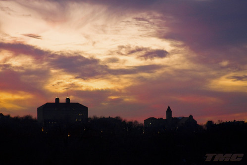 sunset silhouette tmc landmarks lawrenceks universityofkansas dychehall frazierhall douglascountyks shadowracer26 notetoselfdontstoponhaskellavewithalotoftrafficbehindyoutheydontappreciateit