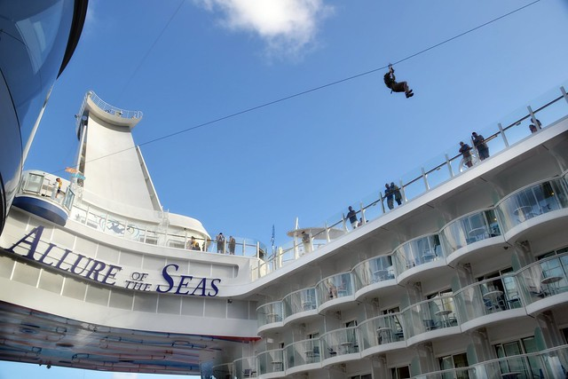 Allure of the Seas - Zip Line