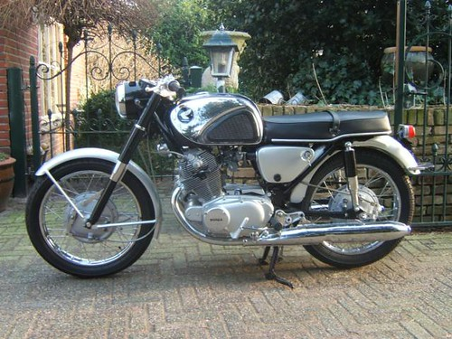1963 Honda CB 72 SUPERHAWK