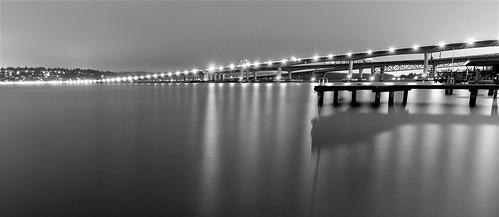 seattle bridge bw lake water night lights washington floating lakewashington i90 starbursts