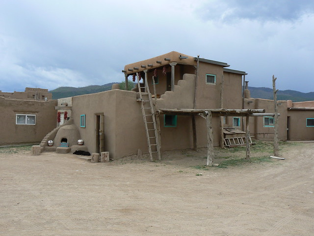 Adobe building in taos pueblo new mexico flickr photo for Adobe construction pueblo co