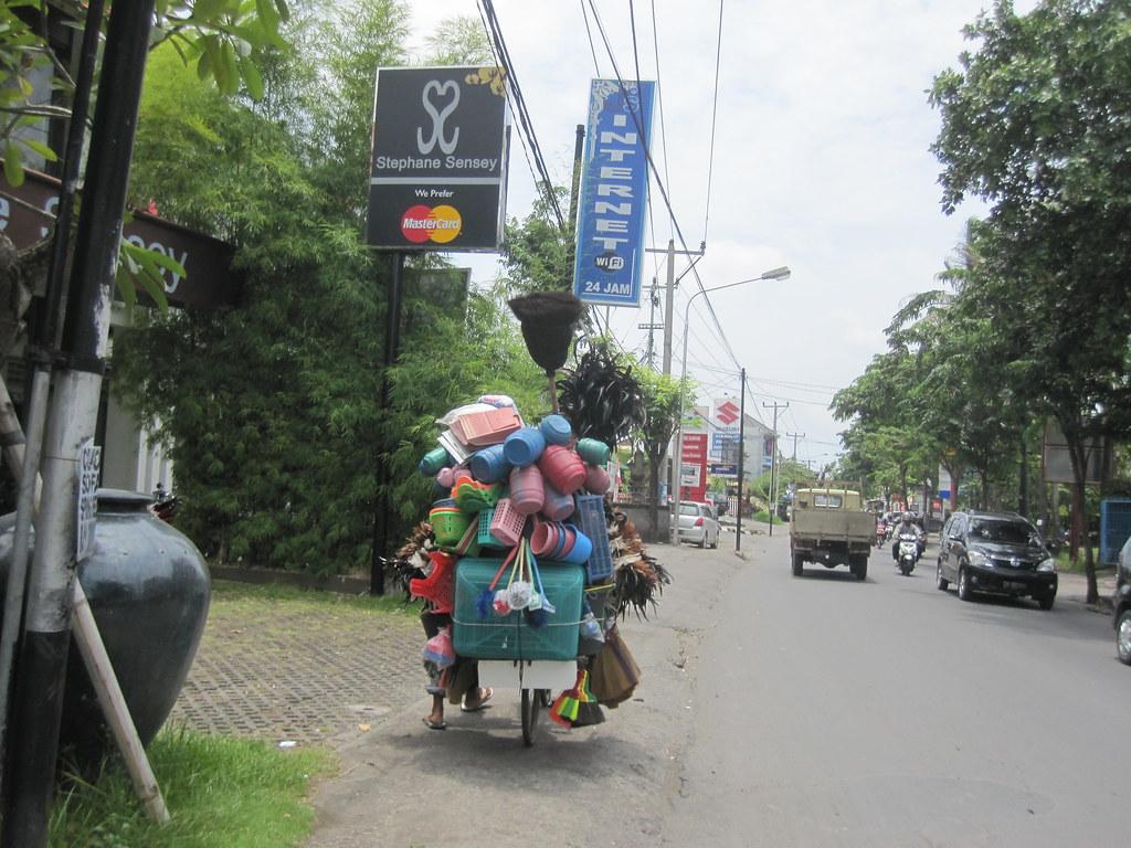 Fuller Brush - Bali