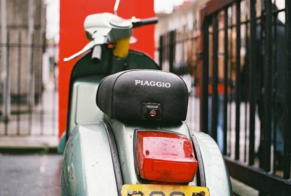 vespa-on-the-street-Flickr-CC-gs3vespa