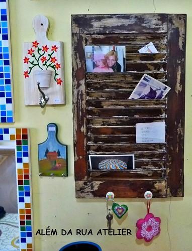 Transformando uma veneziana de demolição em porta-cartas, porta recados e porta chaves