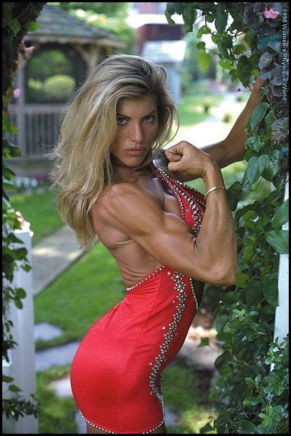 Laurie Noack Fitness http://www.flickr.com/photos/sabrebiade/5547127897/