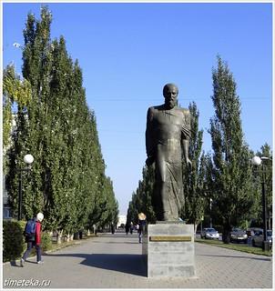 Памятник Достоевскому. Омск
