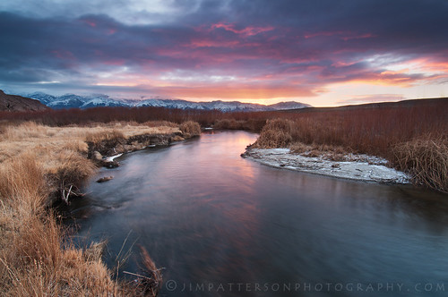 california travel usa mountains nature field grass creek sunrise river landscape outdoors colorful scenic whitemountains valley bishop owensriver easternsierranevada inyocounty jimpattersonphotography jimpattersonphotographycom seatosummitworkshops seatosummitworkshopscom