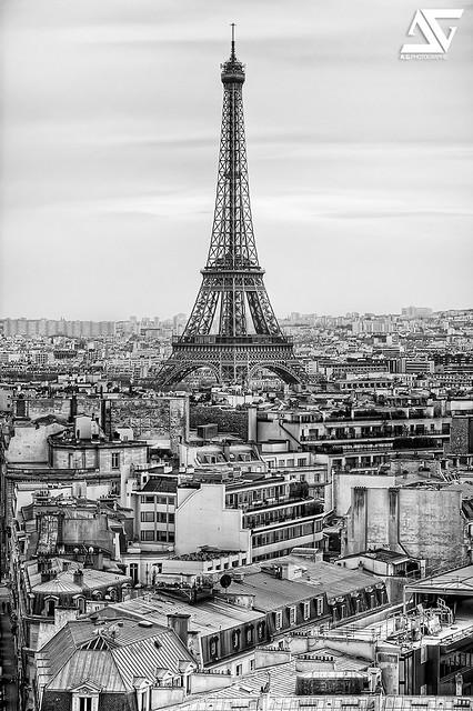 Classic B&W Eiffel