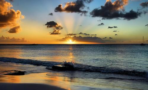 ocean sunset sea beach surf day waves resort barbados caribbean bridgetown newvision needhamspoint colorphotoaward thebestofday gününeniyisi shacklefordphotoartcom dblringexcellence tplringexcellence grandbarbadosresort shacklefordphotoart donnieshackleford eltringexcellence peregrino27newvision pwpartlycloudy