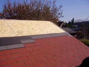 La tela asfaltica como impermeabilizante para techos for Tejados de madera con tela asfaltica