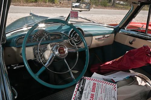 1951-Pontiac-Eight-Interior