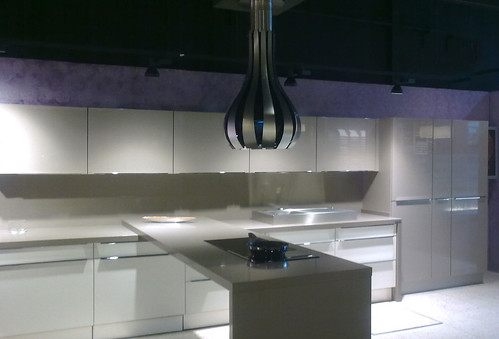 Cocina de diseño realizado por Montajes Roparco