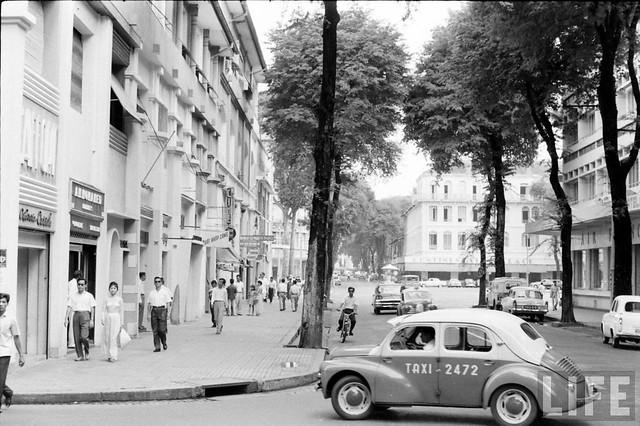 Saigon 1961 - Tu Do Street - Ngã ba Tự Do-Nguyễn Thiệp