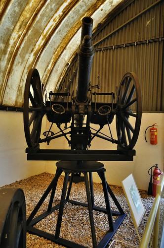 Škoda field gun on Ivanov anti-aircraft mount (1914)