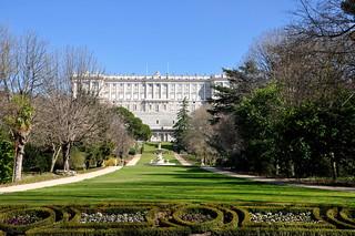 http://hojeconhecemos.blogspot.com/2011/03/campo-del-moro-madrid-espanha.html