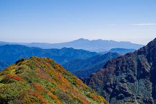 武能岳の紅葉と赤城山