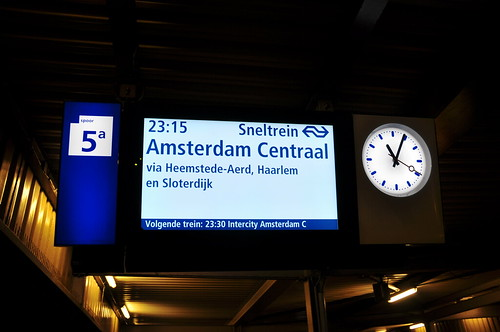 New platform sign at Leiden Central Station