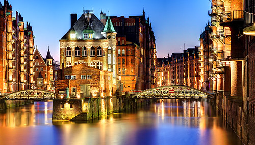 longexposure sea water sunrise canon germany landscape dawn cityscape nightshot martin hamburg rey tamron canoneos speicherstadt 1750mm canoneos50d canon50d reymartin