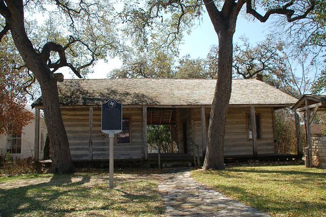 Old dog trot log cabin seguin texas flickr photo for Dogtrot modular homes