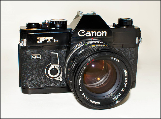 how to change a film in a canon ftb