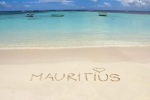 ocean sea beach colors writing boats island sand heart maurice indianocean ile tropical mauritius inscription trouauxbiches 550d