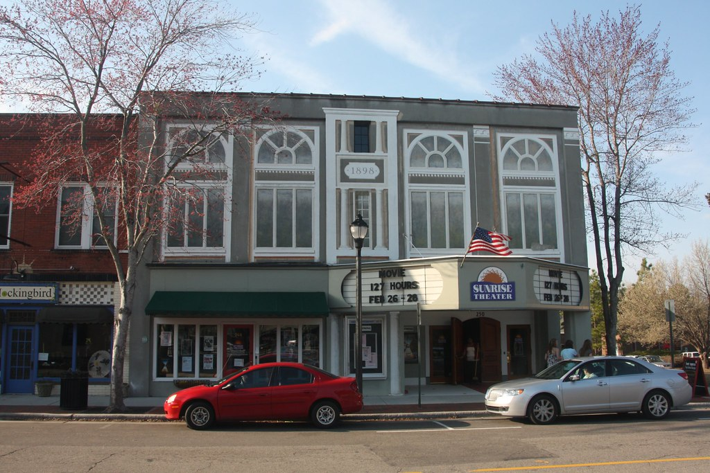 NC - Southern Pines' Sunrise Theater/Asheboro's Sunset Theatre